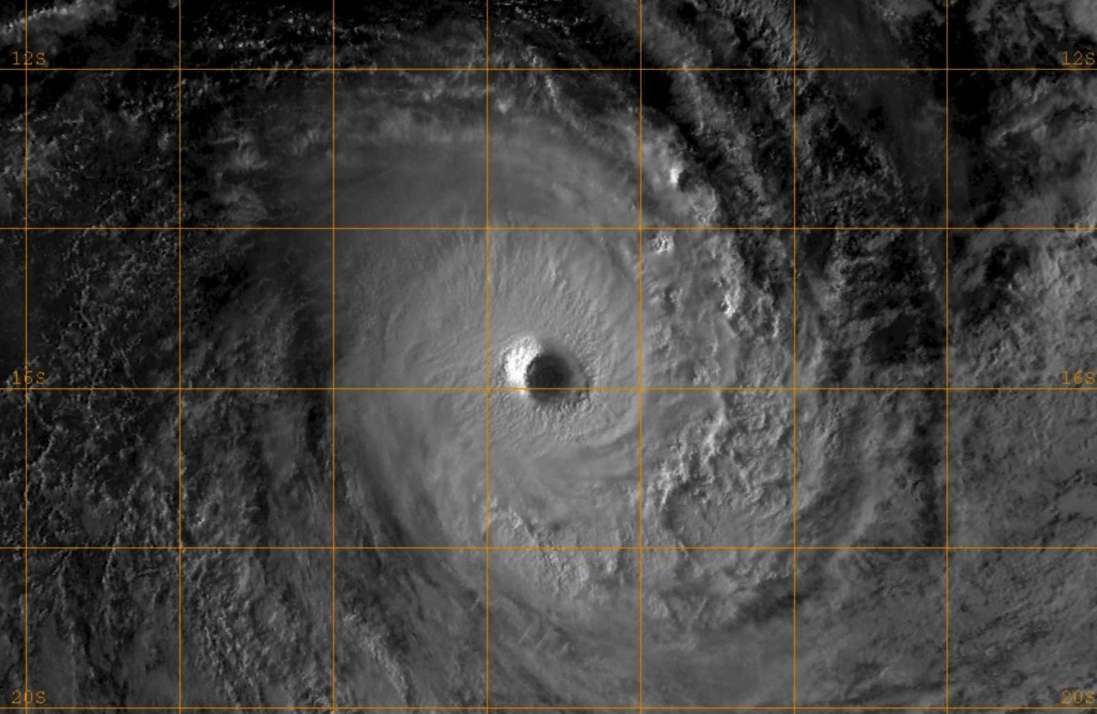 Cyclone Tropical Intense KENANGA le 19/12/2018 F-17