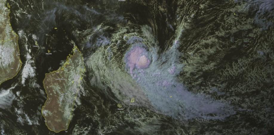 Forte Tempête Tropicale ABELA en Juillet 2016