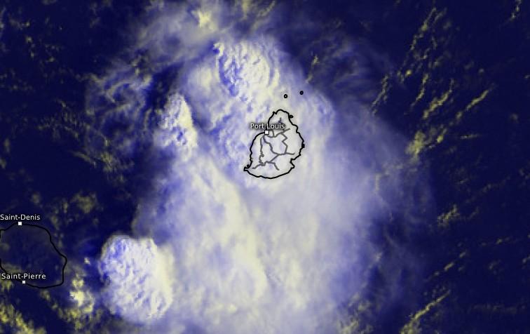 Image satellite des orages sur l'île Maurice ce 25/01/2018 à 0340utc (Kachelmann)