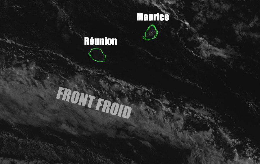 Image du système frontal approche des Mascareignes ©IMD