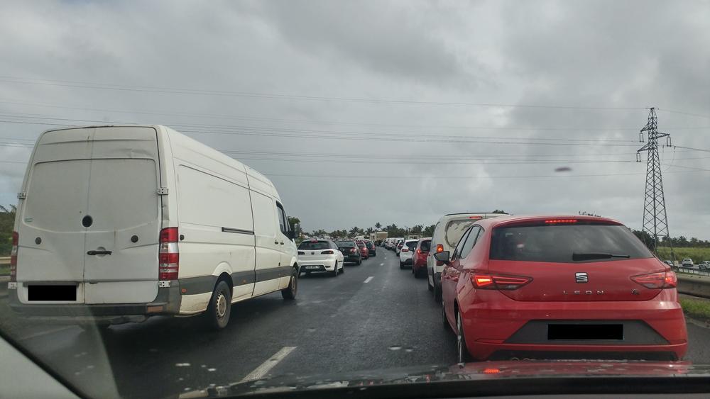embouteillage à l'île de la Réunion ©cycloneoi.com