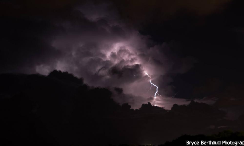Orage à la Réunion ©Bryce Berthaud Photography