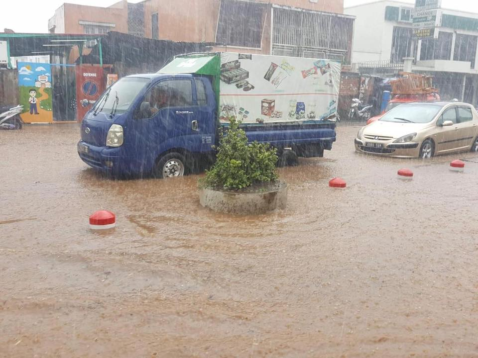route inondées à Tananarive