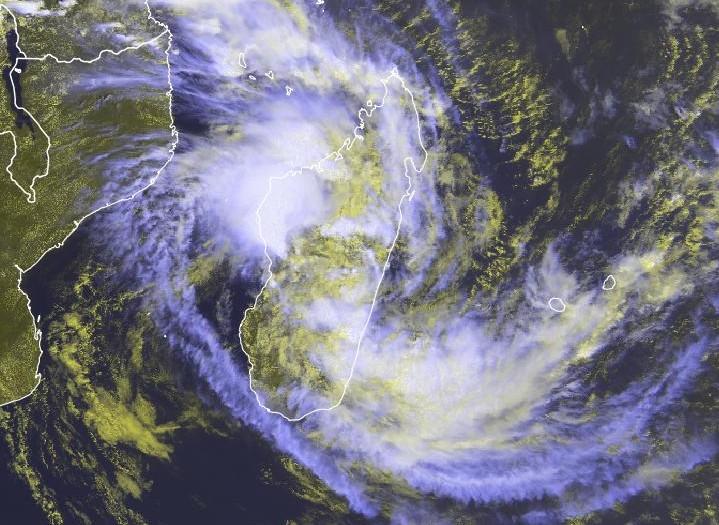 Dépression sur terre AVA - 06/01/2018 à 10:00utc - MeteoSat 0 Degree (Eumetsat)