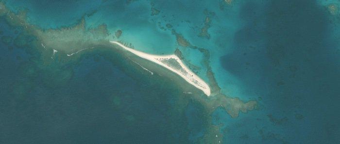 East Island avant WAKALA