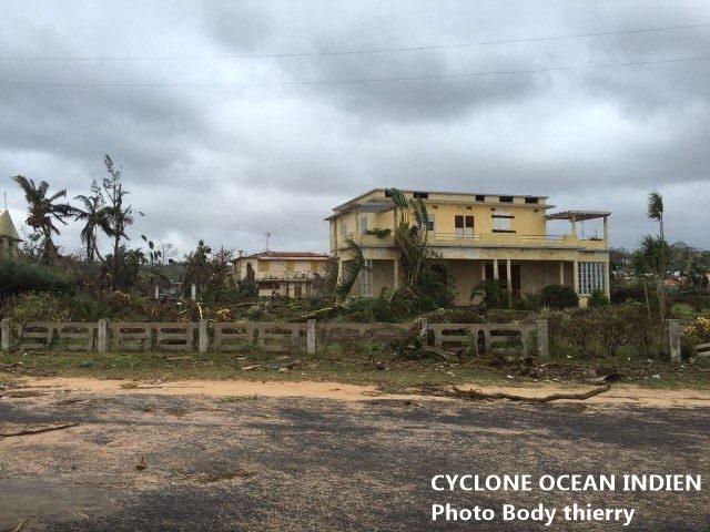 Batiment endommage par le cyclone