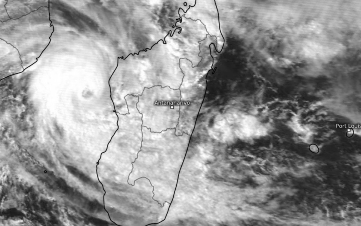 Cyclone Calasanjy 13 Janvier 1989