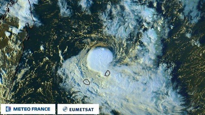 CARLOS au stade de tempête modérée au nord de Maurice (Météo France)