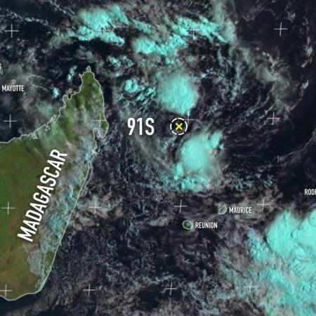Cyclogenese avortée au nord de la Réunion