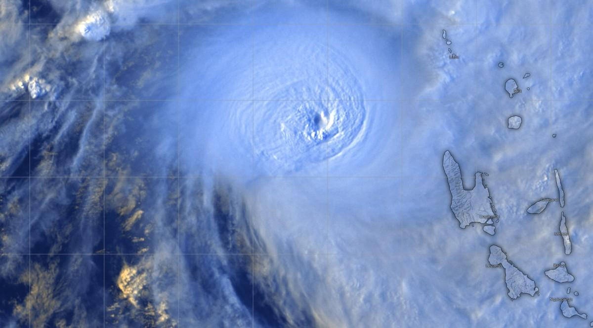 Cyclone harold pinhole eye configuration