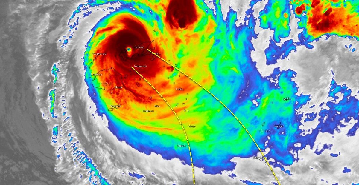 Cyclone yasa fidji trajectoire