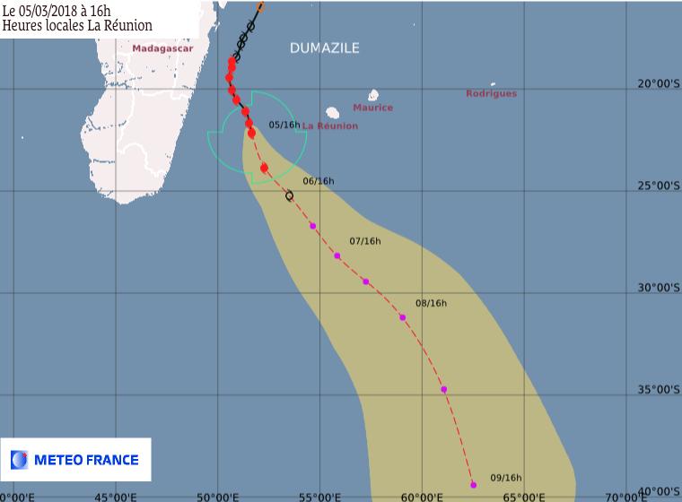 Prévision trajectoire et intensité Dumazile ©Météo France