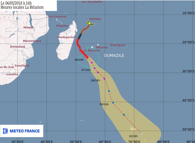 Prévision trajectoire et intensité DUMAZILE 06/03/2018 à 12z ©Météo France