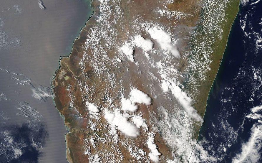 Développement orageux à Madagascar en octobre 2016 ©NOAA