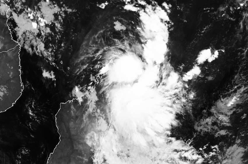 FAKIR encore Perturbation Tropicale le 22 avril 2018 à 22z ©Dundee