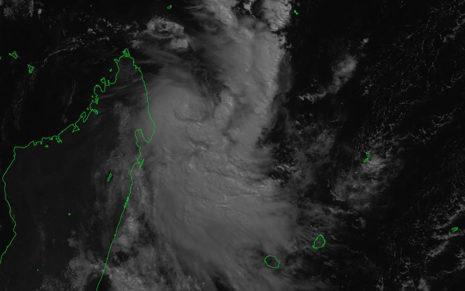 Pluie et orage à partir de ce soir — Dépression tropicale