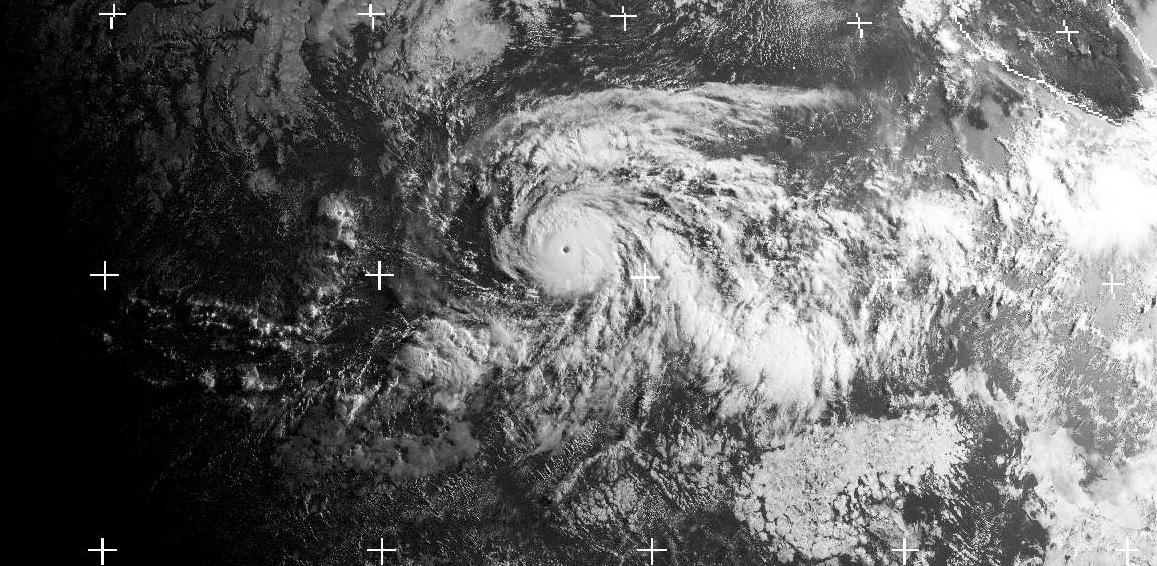Cyclone Intense FERNANDA dans le Pacifique Est le 15 juillet 2017 à 1500utc (image DundeeSat)