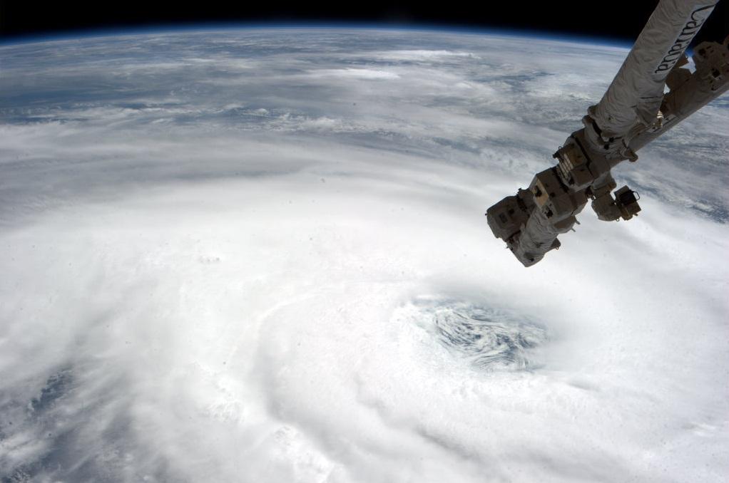 Le cyclone tropical HARUNA vue depuis la station ISS (NASA)
