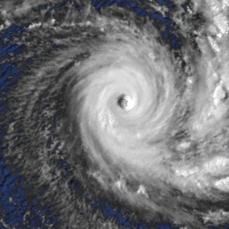 cyclone intense Idylle