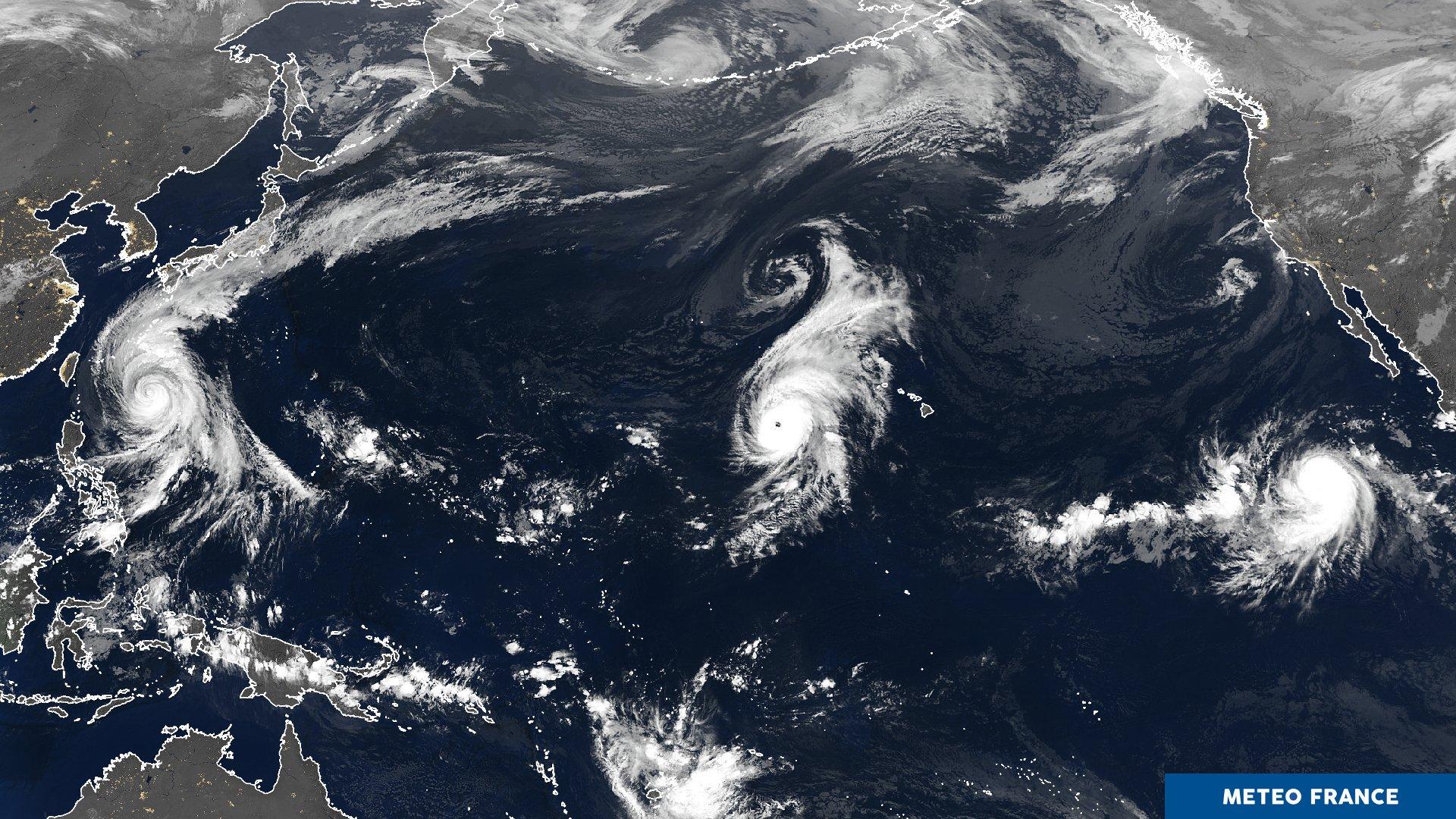 Image satellite composite pacifique avec la présence de 3 cyclones ©Météo France