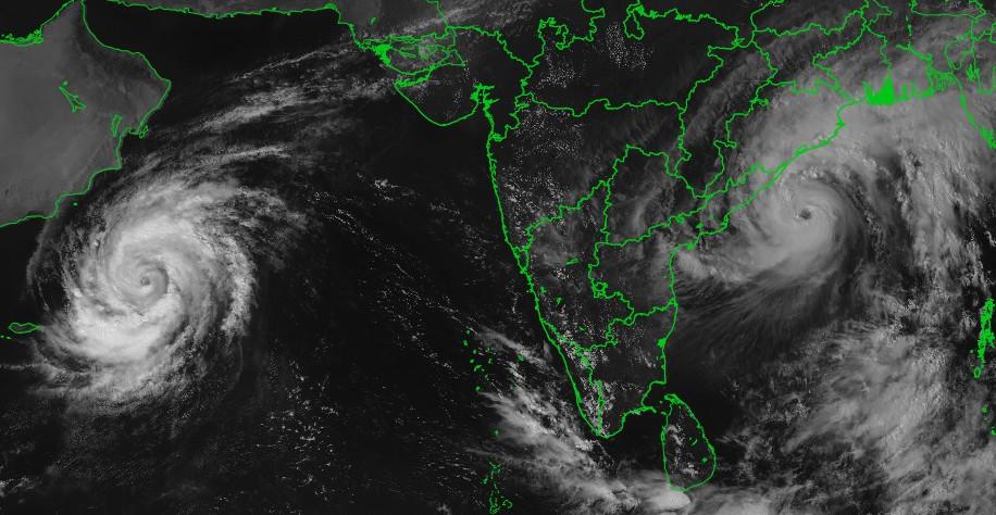 Deux cyclones tropicaux dans l'océan indien nord