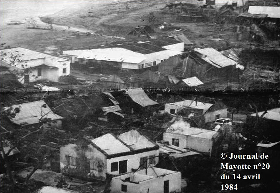 Mayotte après le passage du cyclone KAMISY (image Firinga.com)