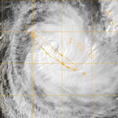 Le cyclone cook commence sa traversee de la nouvelle caledonie