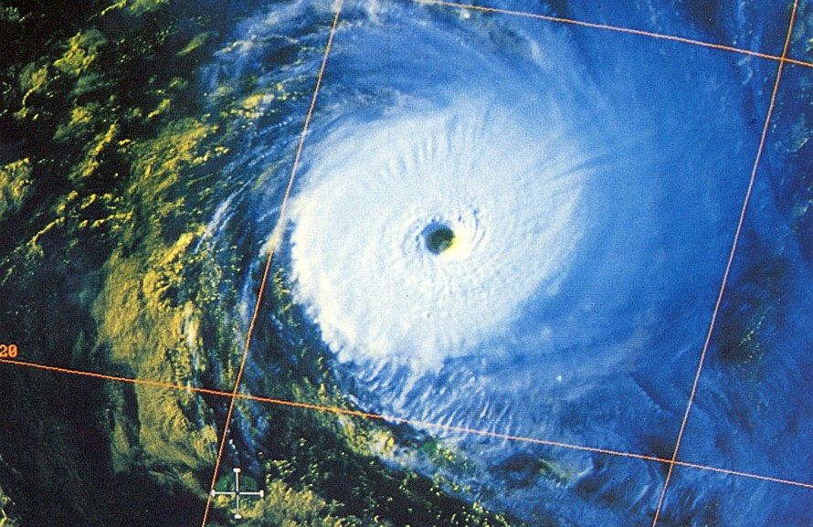 Cyclone Tropical Très Intense LITANNE le 8 mars 1994 à 06utc