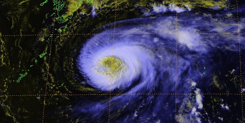 Oeil du cyclone noru