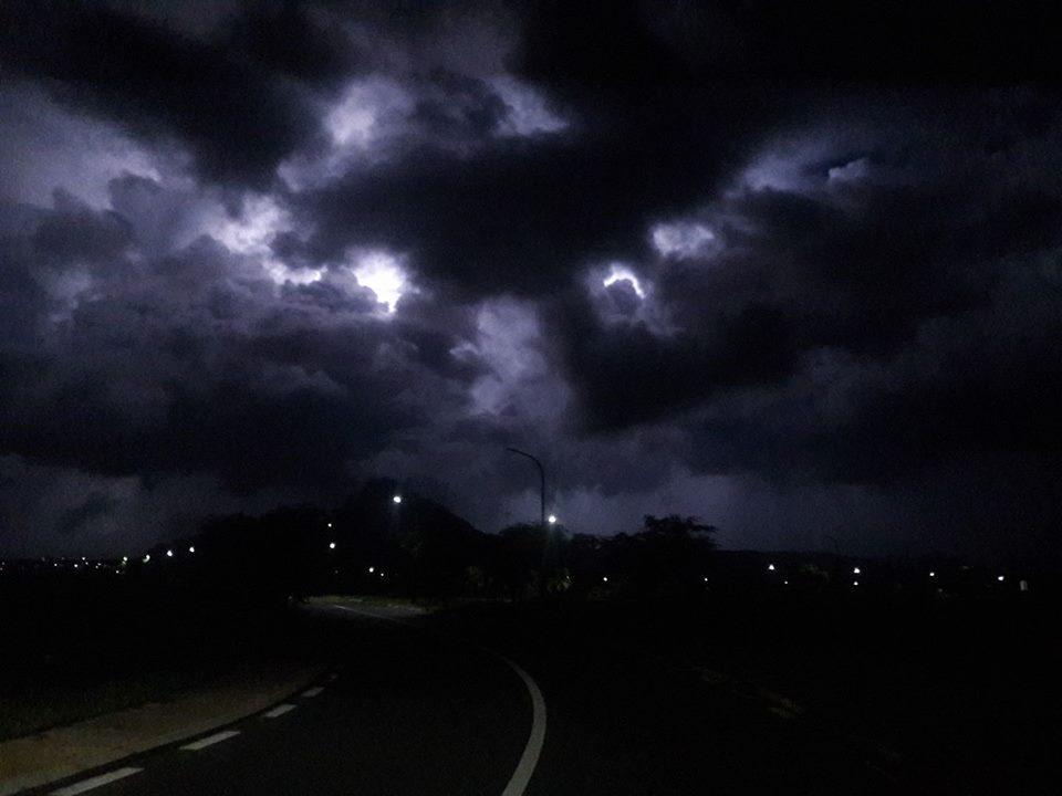 Orage photographié depuis Cascavelle par Jean Paul Astruc