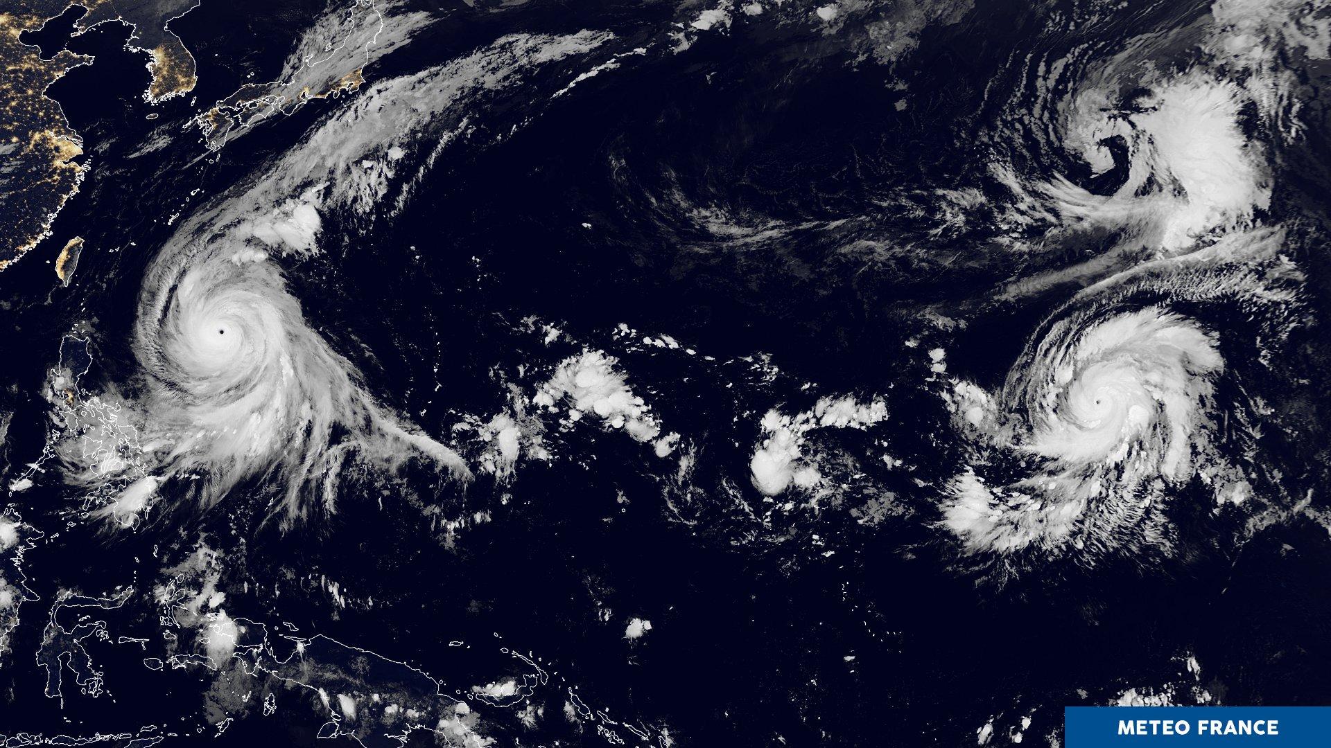 Super Typhon KONG REY et l'ouragan majeur WALAKA ©Météo France