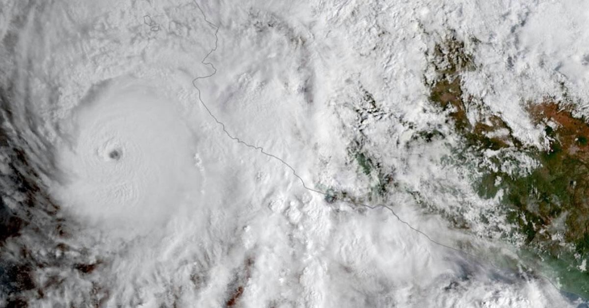 Le puissant ouragan willa frappe le Mexique