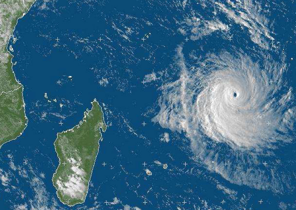 press2012-10-30-dossier-de-presse-cyclone-2012-2013-4.jpg