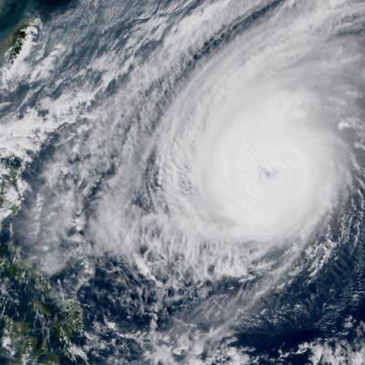 Super typhon yutu en direction des philippines