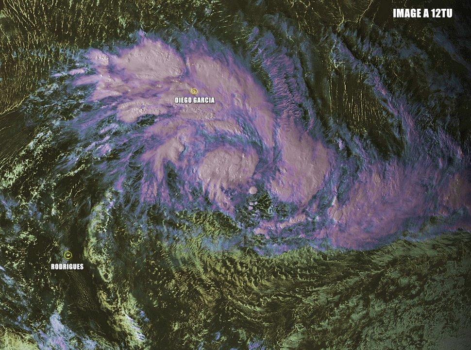 Perturbation Tropicale n°3 le 20/01/16 à 12TU (Futur CORENTIN)