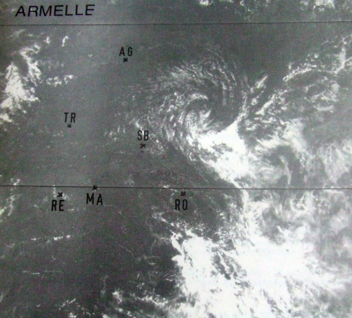 18 nov 81 1039utc (Météo France)
