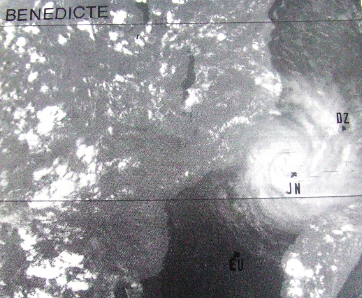 22 dec 1981 1227utc (Météo France)