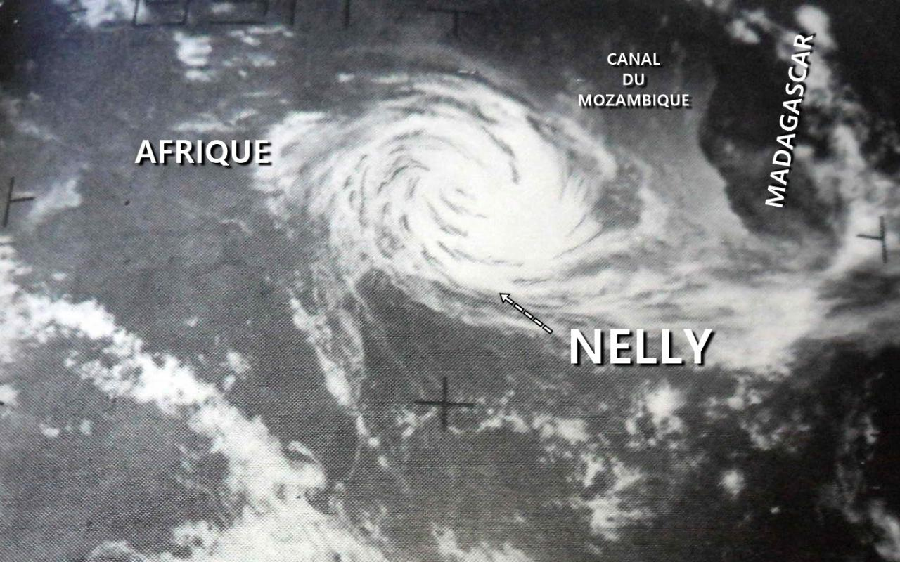 CT NELLY 75kt (source IBTrACS)