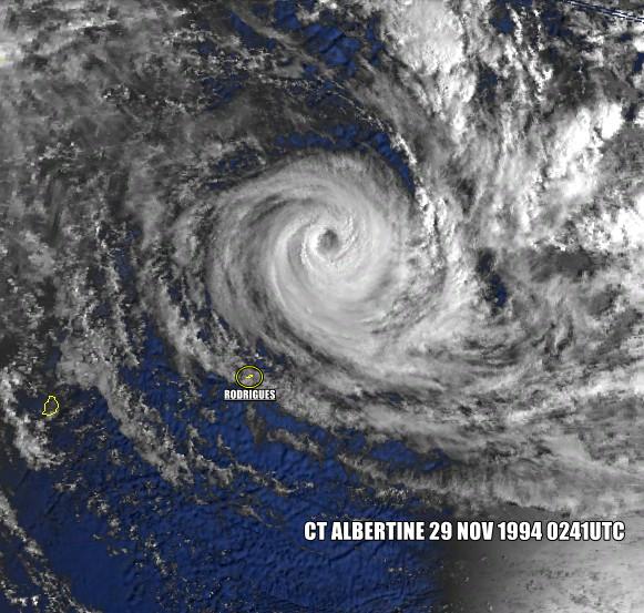 Cyclone Tropical Albertine le 29/11/1994 à 0241 (NOAA)