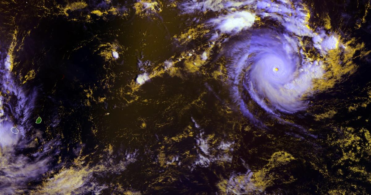 Cyclone intense habana cycloneoi