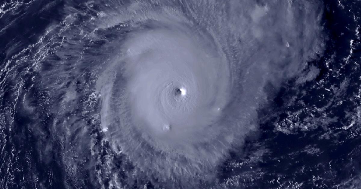Cyclone intense habana trajectoire