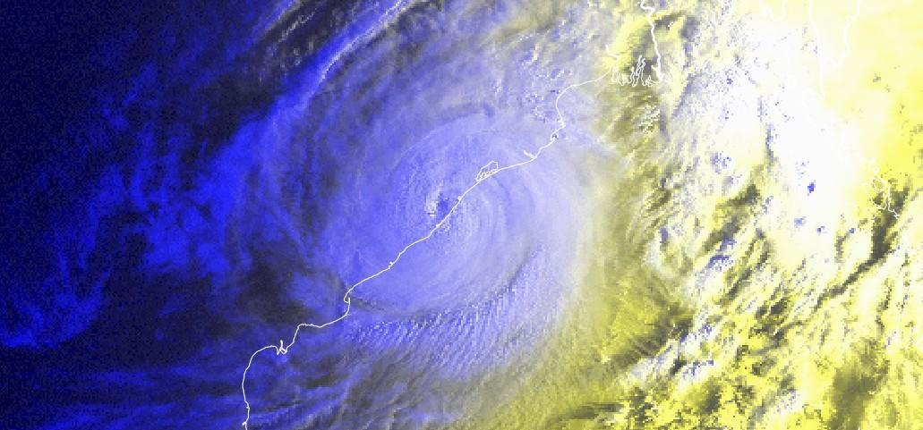 Cyclone tropical TITLI impactant l'est de l'Inde ©Eumetsat