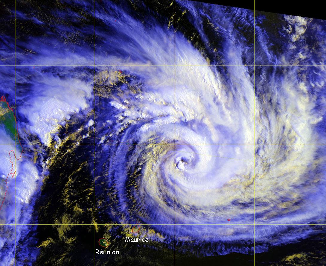 Cyclone tropical GAMEDE février 2007 (Firinga.com)