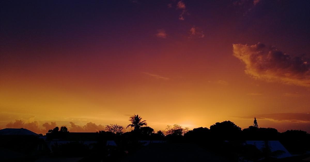 Lever de soleil volcanique