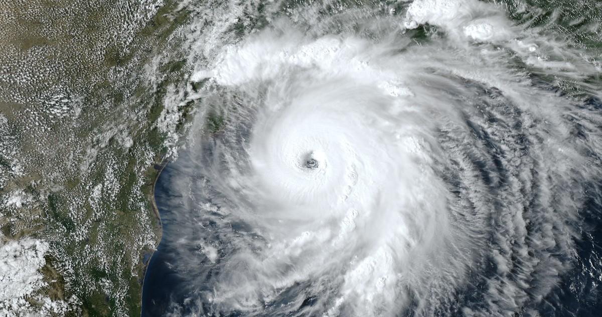 Ouragan laura 2020 08 26 2100z