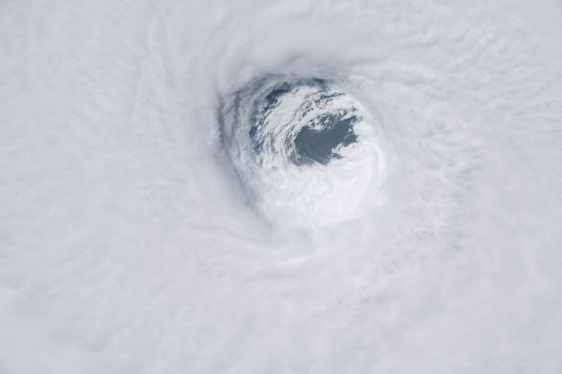 Œil de l'ouragan MICHAEL