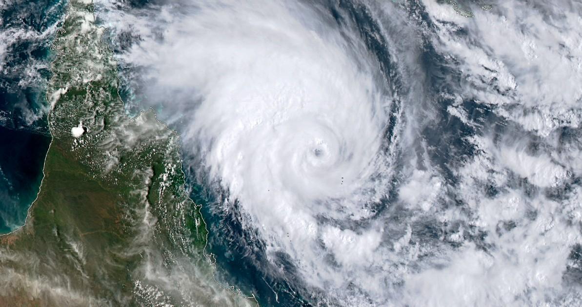 Trajectoire cyclone tropical niran