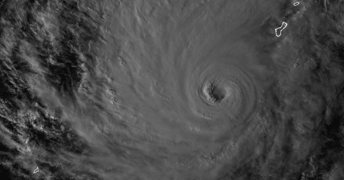 super typhon Wupit